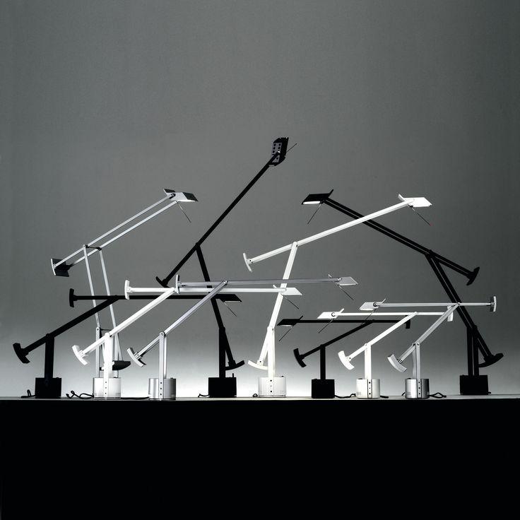 TIZIO - Lampe de bureau articulée Noir - Longtemps cantonnée à son rôle initial de lampe de travail, Tizio a depuis investi les espaces de vie ou elle installe avec élégance sa silhouette graphique et aérienne.