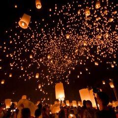 Photo Essay: Loy Krathong / Yi Peng Festival in Thailand