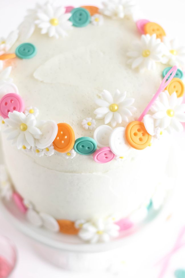 Sprinkle Bakes: Buttons Birthday Cake (Easy White Cake with Vanilla Bean Frosting)