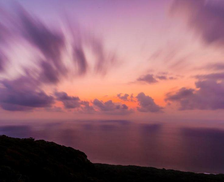 Spectacular sunsets available daily on Christmas Island! Stunning shot @WondrousWorldImages  #ChristmasIsland #ParksAustralia #SeeAustralia #Beautifuldestinations #Sunsetlovers