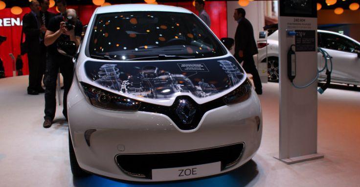 PRIJS RENAULT ZOE R240 IS BEKEND: 21.550€ voor België. (Juli 2015) --- Door efficiëntieverbeteringen zorgt de nieuwe motor voor 30 km meer rijbereik waardoor de totale range op 240 km uitkomt (NEDC).