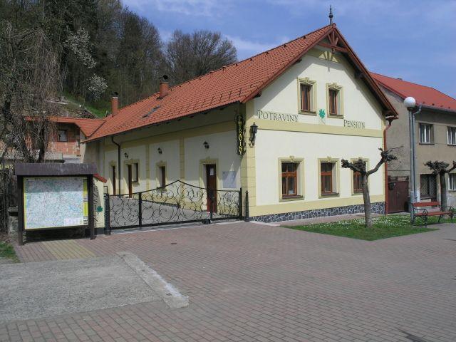 Penzion Čtyřlístek - Český Šternberk   Penzion 2*