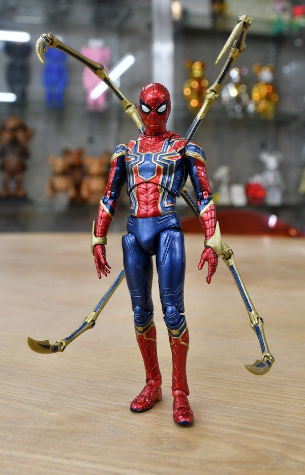 New In Hand Images For The Mafex Avengers Infinity War Iron Spider