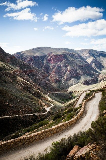 Guide to the Little Karoo, South Africa (Condé Nast Traveller) / The Swartberg Pass.  Col entre Oudstroom et Prince Albert