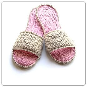 Annoo's Crochet World: Happy Mom's Day Spa Slippers Free Pattern. Nice photo tutorial for the sole pattern