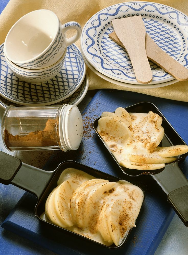 Süßes Apfel-Raclette | Zeit: 20 Min. | http://eatsmarter.de/rezepte/suesses-apfel-raclette