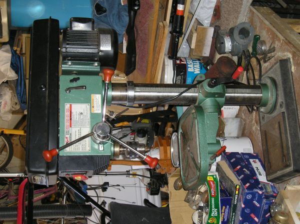 $185 GRIZZLY Heavy-Duty Bench-Top Drill Press