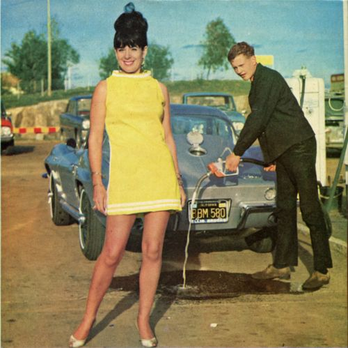 Sixties fuel stop: 1964 Corvette, Team Corvette, Corvette Coupe, Vintage Fashion, Corvette G2, Corvette U.S. S A 1, Vintage Corvette, Vintage Finland, Gas Pumps