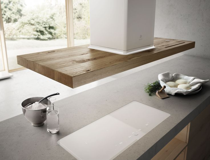 Bio Island is the new Elica hood that maintains traditional lines while being, at the same time, innovative.