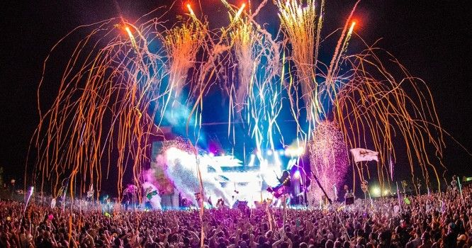 Summer Set Music & Camping Festival Releases Legendary Lineup & Giveaway for 2017   Zedd, GRiZ, Zeds Dead, Run the Jewels, Die Antwoord, RL Grime, Post Malone, Slushii, Ghastly, Malaa, Whethan, & much more to take the stage at the MASSIVE festival in Somerset, Wisconsin.  http://edm.com/articles/2017/4/17/summer-set-2017