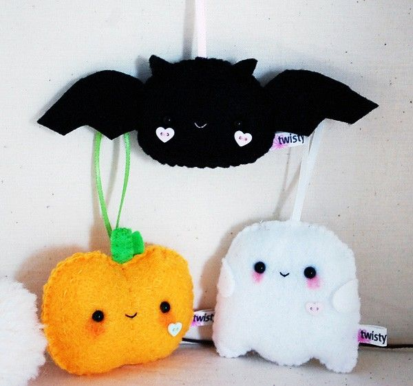 felt halloween decorations too cute to spook