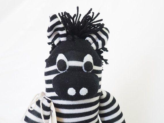 Sok dier sok zebra, sock monkey, zachte pluche speelgoed voor kinderen. Zwart-wit. Zeke de Zebra.