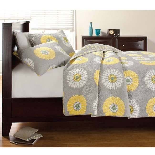 (guest room) Anya Floral Print Quilt Set - Overstock Shopping - Great Deals on Quilts