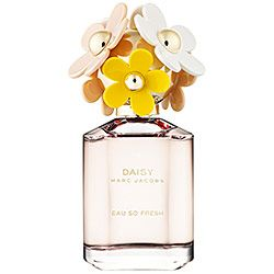 Marc Jacobs Daisy Eau So Fresh: Natural Raspberry, Grapefruit, Pear, Violet, Wild Rose, Apple Blossom, Musks, Cedarwood, Plum