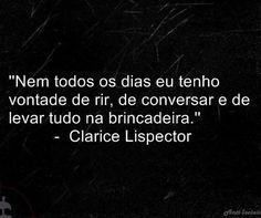 Clarice Lispector foi uma escritora e jornalista nascida na Ucrânia e naturalizada brasileira — e declarava, quanto a sua brasilidade, ser pernambucana —, autora de romances, contos e ensaios, sendo ... Wikipédia