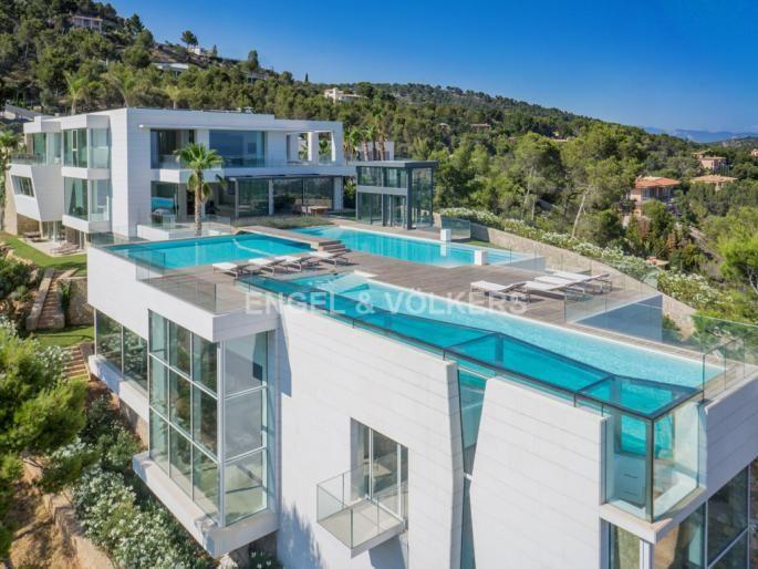 La Casa Camaleon en Son Vida Palma de Mallorca Casas
