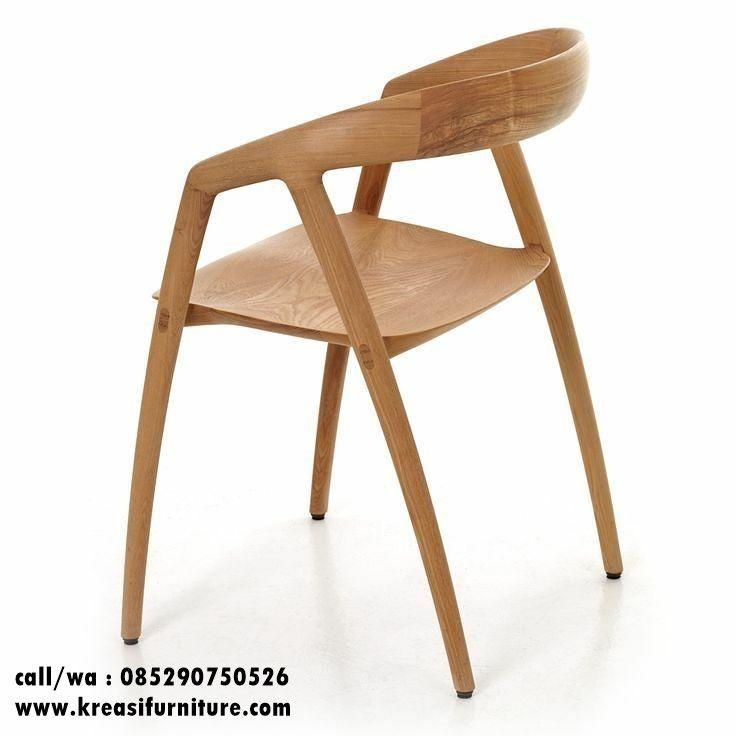 Kursi Cafe Kayu Lengkung Modern merupakan kursi cafe dengan desain minimalis modern berbahan full kayu jati solid yang sangat cocok untuk interior cafe anda