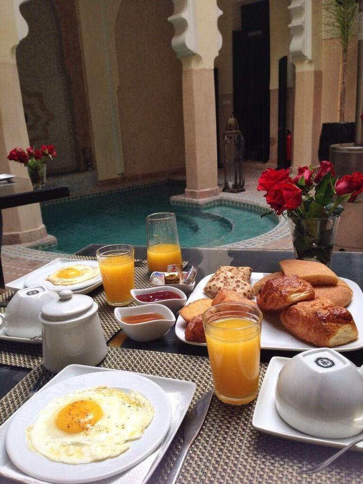 Un buen desayuno romántico sorpresa
