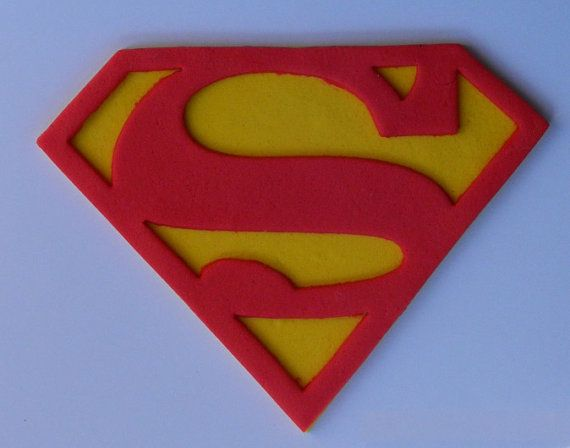 EETBARE TAART TOPPERS  U KOOPT   1 x SUPERMAN of SUPERGIRL SUPERHELDEN-LOGO   METEN van ongeveer 12cm   BEKIJK DE DETAILS EN DE KWALITEIT  U KUNT DE KLEUR  ALLE MIJN DECORATIES ZIJN HANDGEMAAKT. IK MAAK ZE MET DE HAND EN GEBRUIK GEEN MALLEN. ZE ZIJN ALLEMAAL GEMAAKT OP BESTELLING.  IK KAN 10 OF 1000 DECORATIES, LIET ME ENKEL WETEN UW WENSEN EN IK ZAL DOEN EEN SPECIALE PRIJS.  GROTERE OF KLEINERE DECORATIES KUNNEN WORDEN GEMAAKT AAN ORDER AS PUTJE AAN UW BEHOEFTEN.  BEKIJK DE DETAIL…
