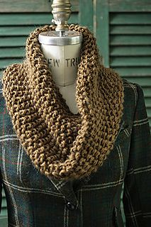 Last Minute Cowls make holiday knitting a reality! Free on Ravelry from Churchmouse Yarns and Teas.