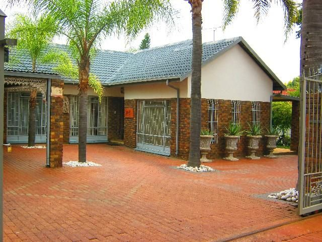 Lorna Real Estate - Property Detail: 4 bedroom House for sale in Florauna