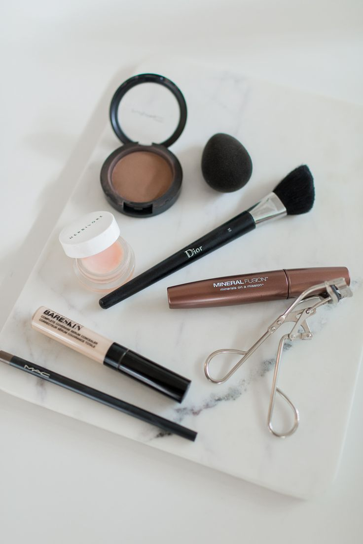 Makeup Essentials Must Haves From Makeup Artists Part 1: 25+ Great Ideas About Minimal Makeup On Pinterest