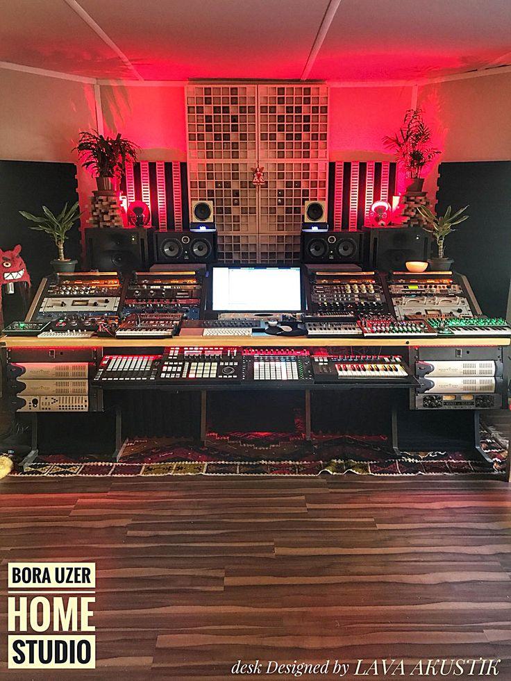 Bora Üzer'in home studiosunda LAVA AKUSTİK ürünleri yerini aldı. Özellikle masamız mekana çok yakıştı 😎🎼🎹 Güle güle kullan Bora Uzer #lavaakustik #lava #akustik #acoustic #studio #stüdyo #design #tasarım #highend #ses #sound #soundsystem #müzik #music #şarkı #beste #aranje #aranjör #aranjman #prova #kayıt #record #recording #recordingstudio #musicroom #room #luxury #studiodesk #workstation