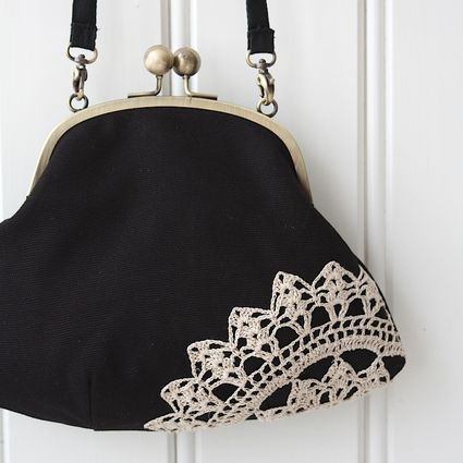 Muisto-laukku, musta-beige | Weecos