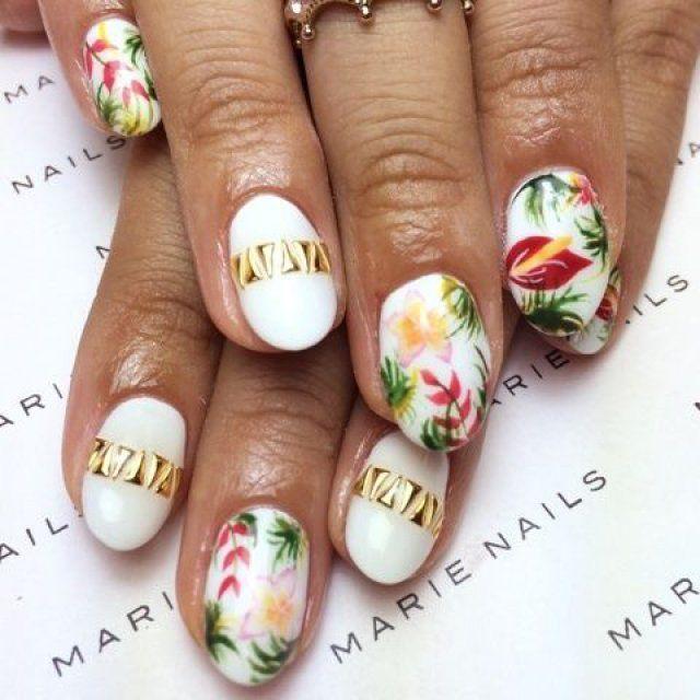 Nail art tropical