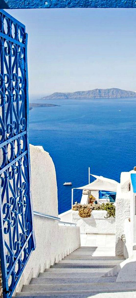 Traveling - Santorini, Greece- #LadyLuxuryDesigns
