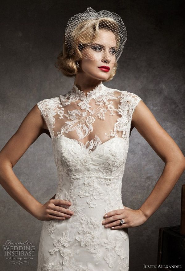 2012 Justin Alexander Fitted Wedding Dress, Romantic and Elegant.
