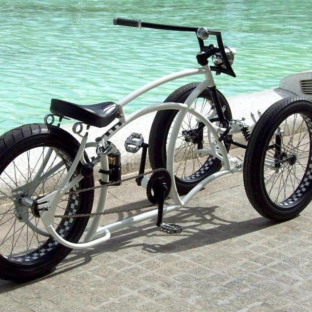 3 wheeled fat bike #fatbike #bicycle #fat-bike I think I kinda love this!