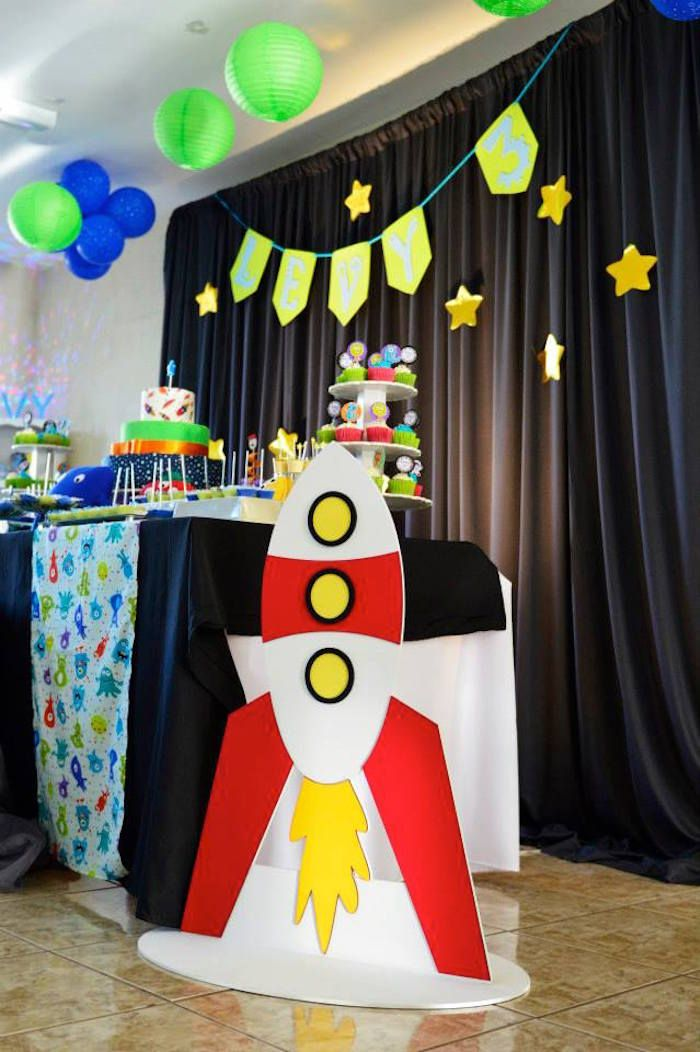 Monsters + Aliens Themed Birthday Party