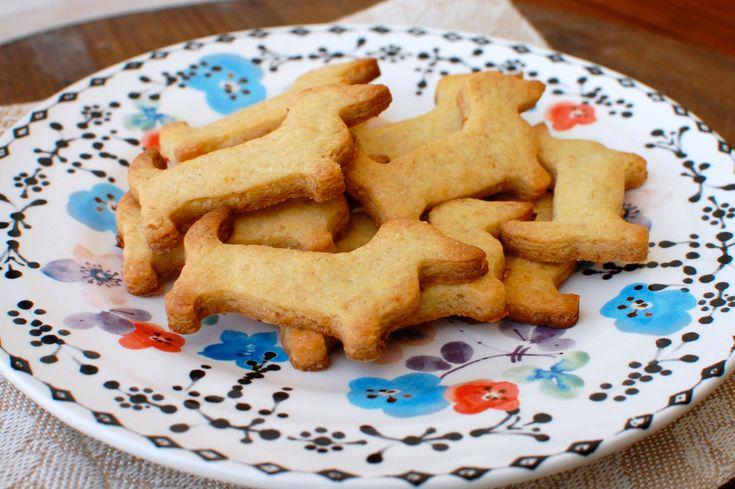 Poi mentre compravo una pentola nuova nel mio negozio di casalinghi preferito ho avuto la folgorazione...uno stampino per biscotti a forma di Ugo!!