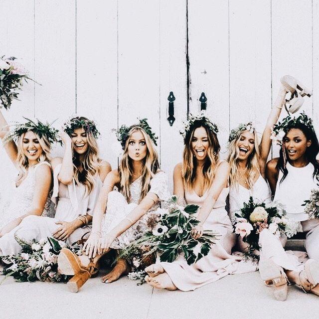 wedding | bridesmaids dresses + flower crowns #vintage #Braut #bride #Hochzeit #Wedding