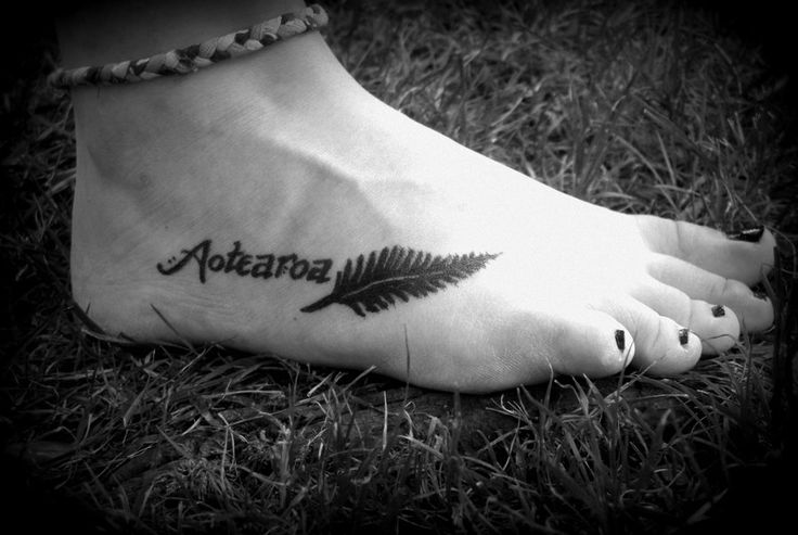 """My roommate drew this on my foot last year, but I think it would make for an awesome tattoo!!  Aotearoa is Maori for """"Land of the Long White Cloud"""", aka New Zealand. ;) The fern is one of NZ's symbols."""