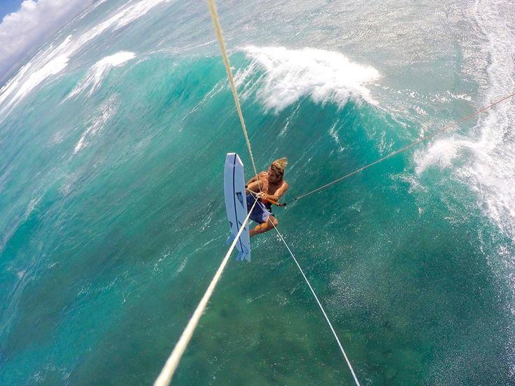 Felix Pivec enjoying some strapless fun on his Firewire vader 5'1. #strapless #kitesurfing #kiteboarding #firewire