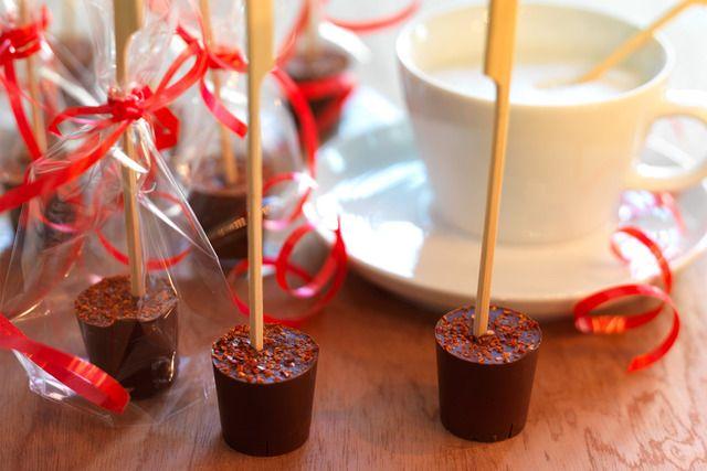 Heiße Schokolade am Stiel - ganz einfach selbst gemacht!