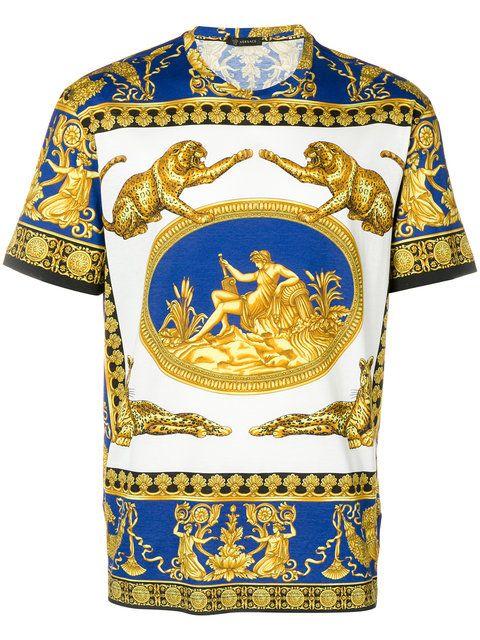 d0154b87fdc Versace Baroque Print T-shirt - Farfetch | Men fashion in 2019 ...