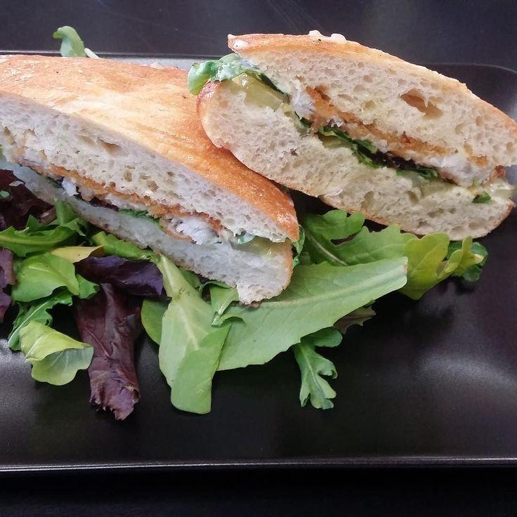 Chicken, Brie, Fig & Arugula Panini Recipe — Dishmaps