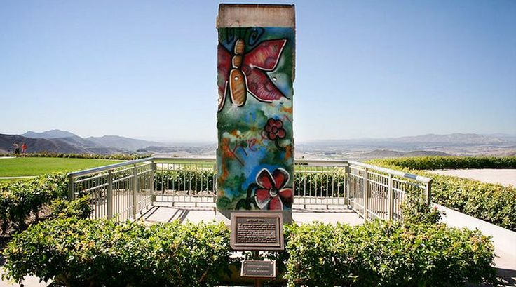 Day trip from Claremont/LA - beautiful views of Ronald Reagan Library - Wall segment Berlin Wall Reagan Library