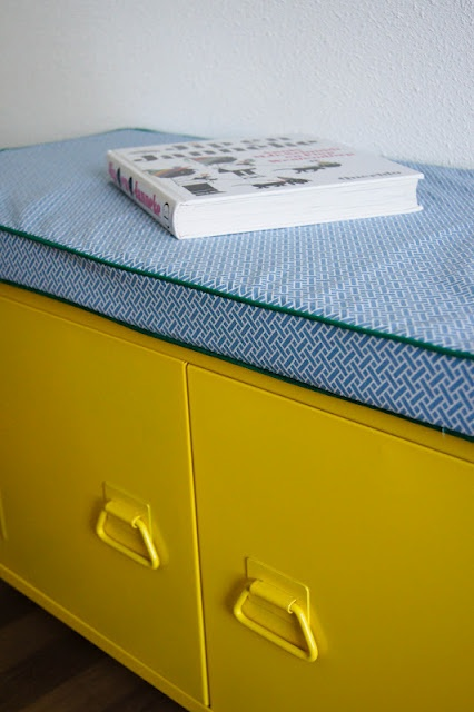 make a cushion to go on top of storage crate for seating