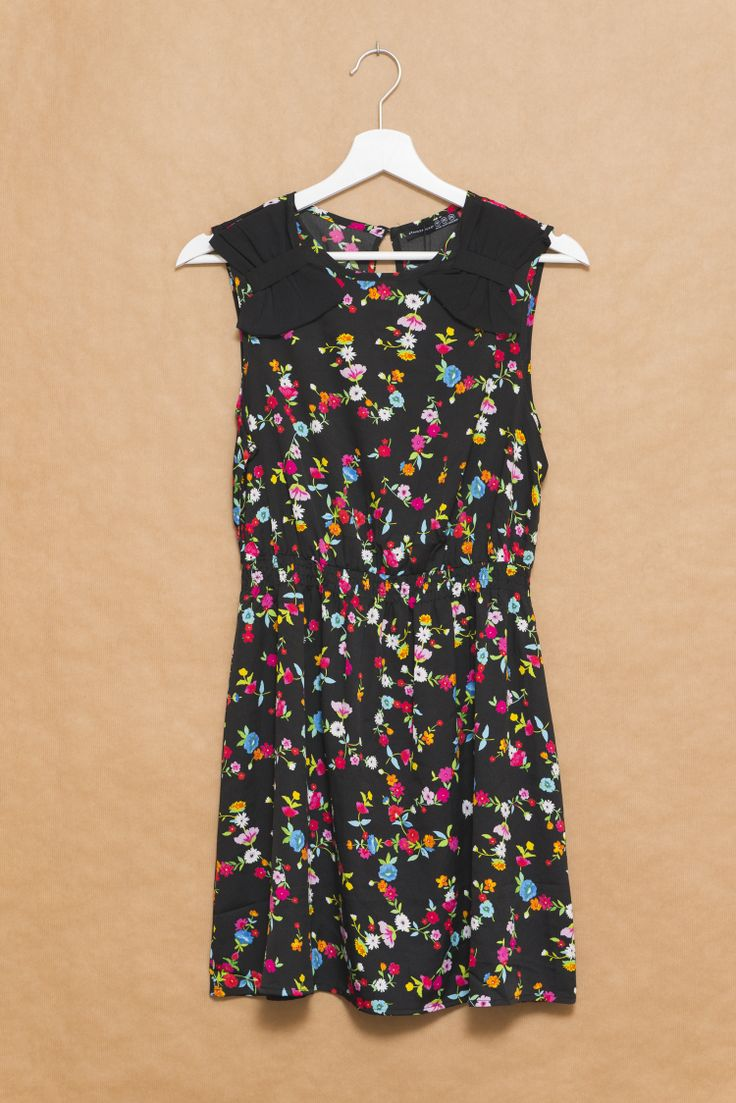 Primark vestido negro con flores-001