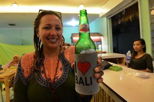 Indonesia, vietata vendita birra in strada e nei piccoli negozi - Yahoo Notizie Italia