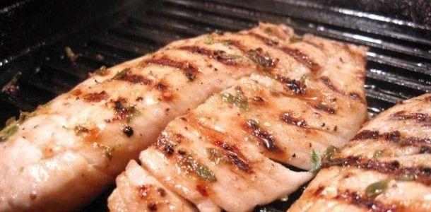 Uma receita super fácil para quem adora saborear um peixe Grelhado, esse Filé de Tilápia é de dar água na boca e vai fazer o maior sucesso no seu almoço de domingo ou em um jantar especial, confira e faça hoje mesmo esseFilé de Peixe Tilápia Grelhado. COMO FAZER A RECEITA DE FILÉ DE PEIXE …