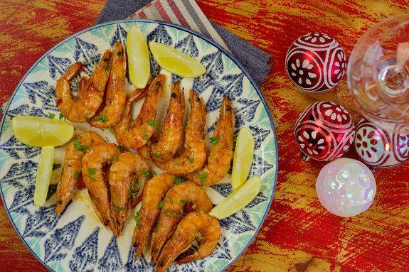 Cinco Quartos de Laranja: Camarão frito picante com alho