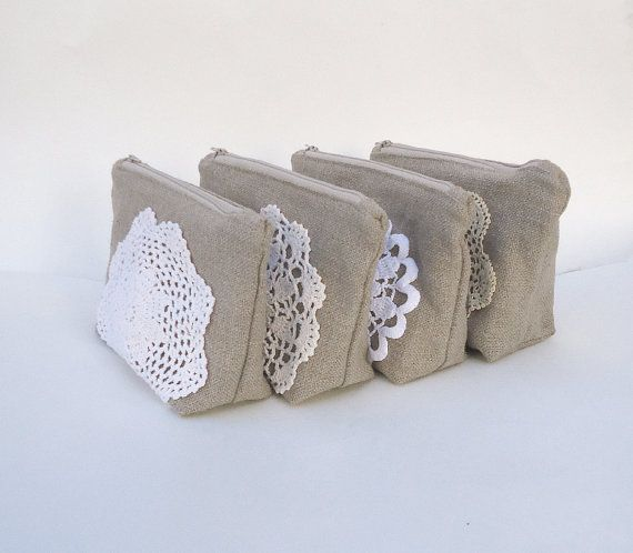 Conjunto de 4  dama de honor arpillera bolsa por JuneberryStitches