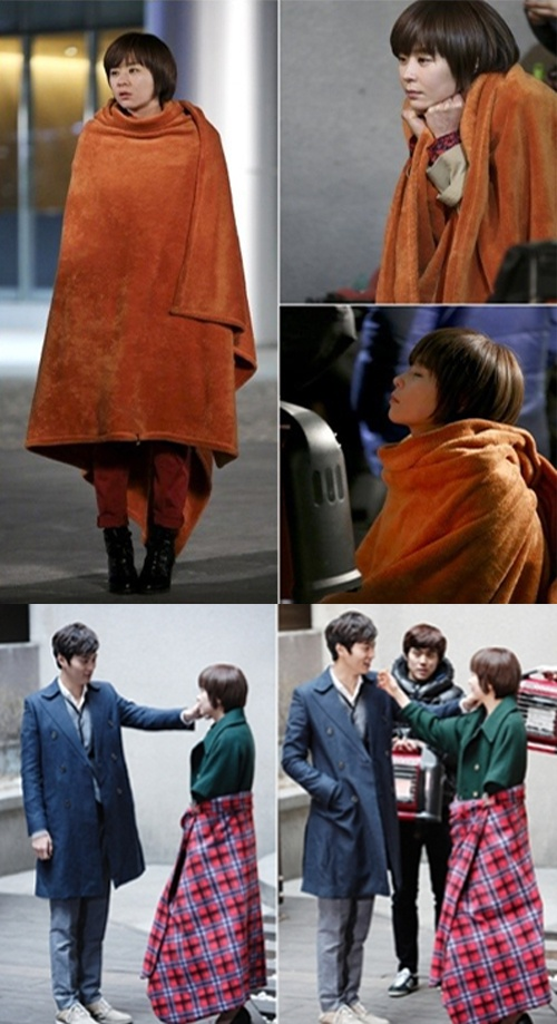 Actress Choi Kang Hee completes her fashion with a blanket