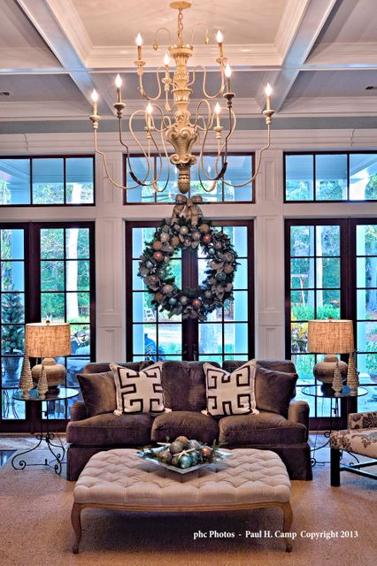 Savannah home decorated for the holidays. Designer Elizabeth Camp Wynn ...