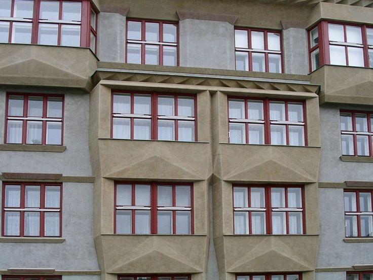 Palazzo della Cooperativa degli insegnanti (obytné domy Družstva pro stavbu učitelských domů) - Architetto Otakar Novotný - 1919/1921 - Praga, via Elišky Krásnohorské 10-14